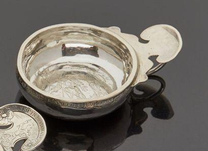 PARIS 1731 - 1732  Tasse à vin en argent...