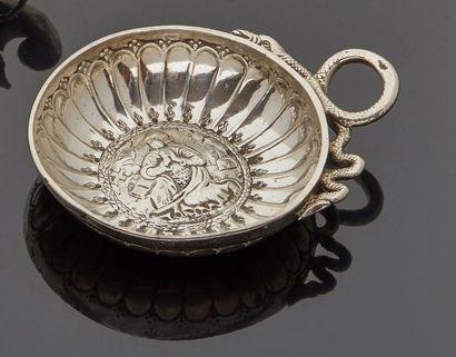 PARIS 1721 - 1722  Tasse à vin en argent,...