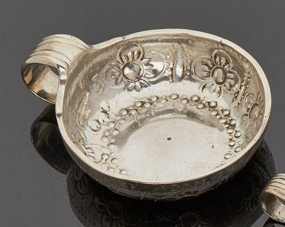 ORLEANS 1768 - 1770  Tasse à vin en argent...