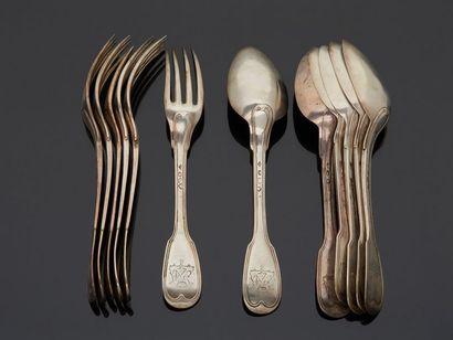 Six grandes cuillers et six grandes fourchettes...