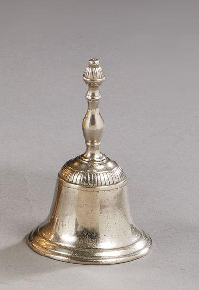 Clochette de service en métal argenté, la...