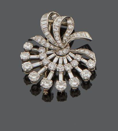 Clip de corsage en or gris 18 k (750 millièmes)...