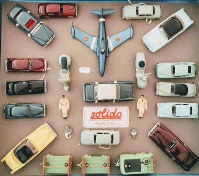 SOLIDO - Coffret « CONCOURS D'ELEGANCE » (1957): Treize véhicules JUNIOR et BABY...