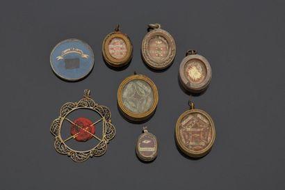 Sept reliquaires divers dont sainte Claire,...