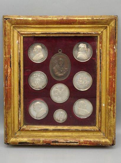 ITALIE - Roma. Huit médailles en argent représenant...