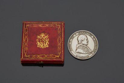 Médaille en argent représentant le portrait...