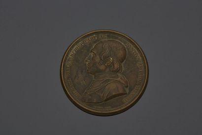 Médaille en bronze représentant le profil...