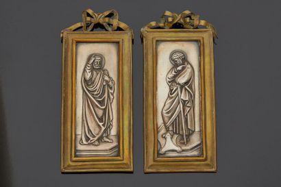 Deux plaques en argent en bas relief représentant...