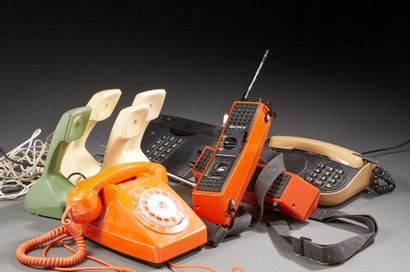 Lot comprenant des téléphones et Talky-Walky...