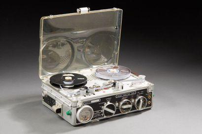 NAGRA III - Magnétophone à bande avec alimentation...