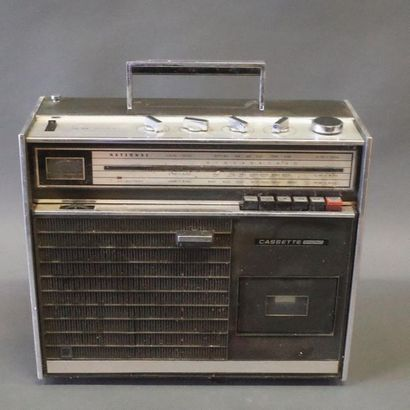 National Radio-Cassette portatif