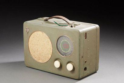 Radio Radione dans sa valise.