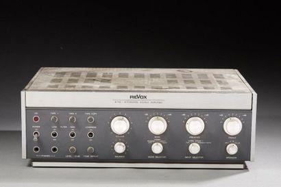 Revox B750 Amplificateur Stereo.  (Traces...