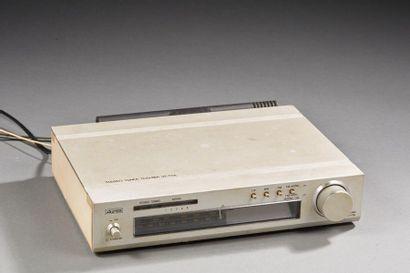 Aurex / Toshiba System 12  Tuner stéréo.