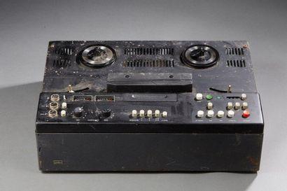 BRAUN TG 1000-4  Magnétophone à bande.  (En...