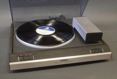 REVOX B795  Platine tourne-disque à lecture...