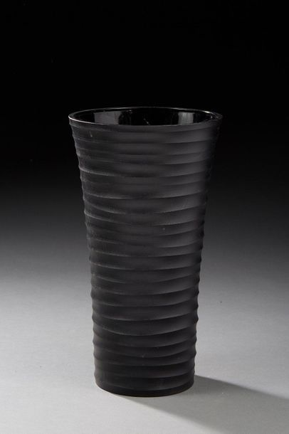 SALVIATI à Murano  Vase cylindrique en verre...