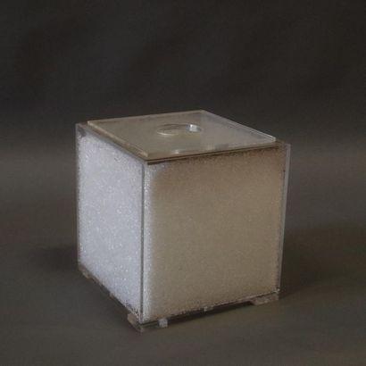 Lampe de table cubique en plexiglas, doublée...