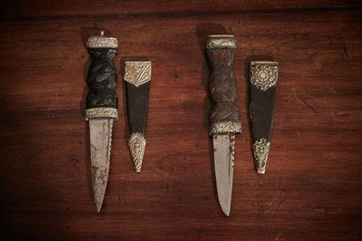 ECOSSE - Couteau SGIAN DUBH  Deux couteaux...