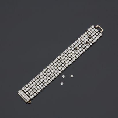 Bracelet en or gris 18 k (750 millièmes)...