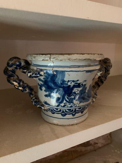 Petite vasque ou pot à fleurs en faïence...