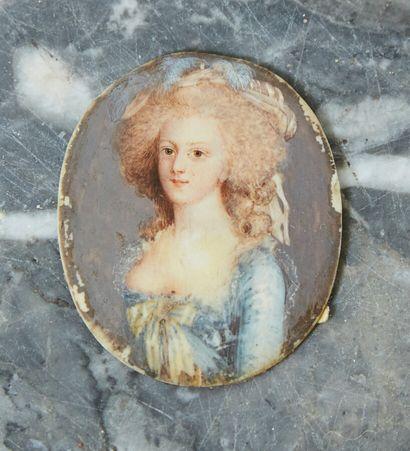 Ecole de la fin du XIX  Portrait d'une femme...