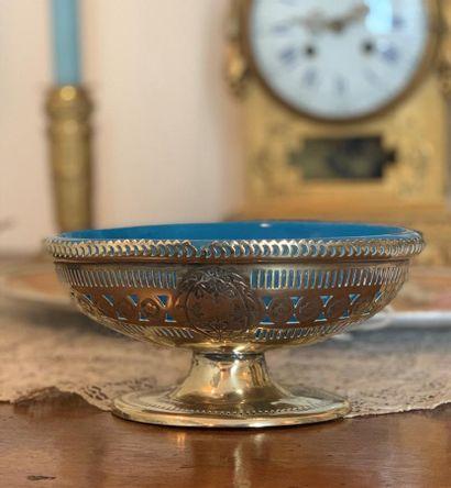 Coupelle ovale en métal argenté à décor ajouré...