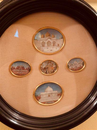 Cinq miniatures indiennes Pigments polychromes...