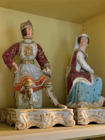 Paire de flacons statuettes en porcelaine...