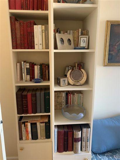 Lot de livres divers  Provenance : Entier...