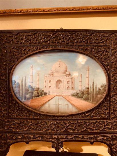 Miniature ovale indienne représentant le...