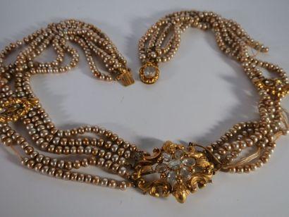 Collier de perles à cinq rangs monture en...