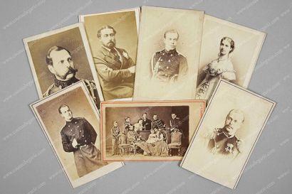 FAMILLE IMPÉRIALE DE RUSSIE. Ensemble de...