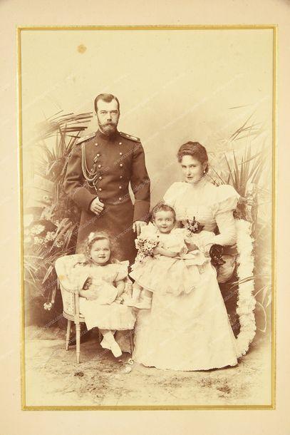 NICOLAS II, empereur de Russie (1868-1918). Grand portrait photographique par Levitski...
