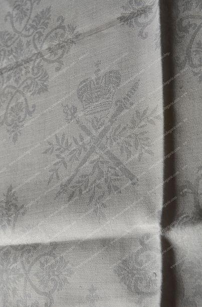 NICOLAS II, empereur de Russie (1868-1918). Ensemble de deux serviettes de table...