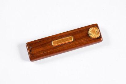 Boite à cure dent en bois d'amourette, ornée...