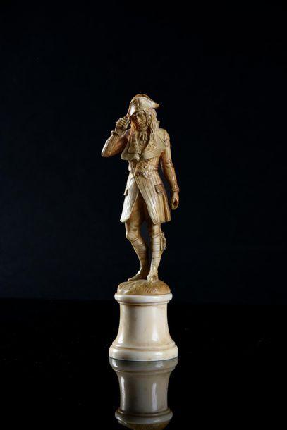Dieppe. Incroyable. Statuette en ivoire finement...