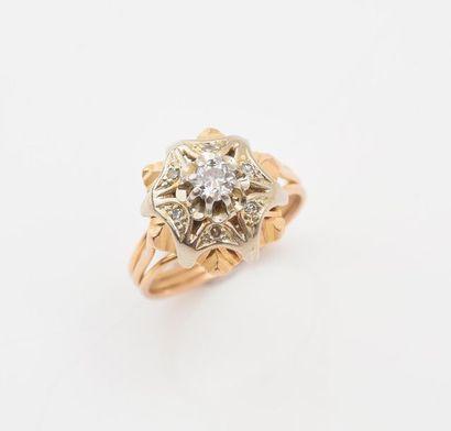 Bague en or 750‰ sertie d'un diamant de taille...