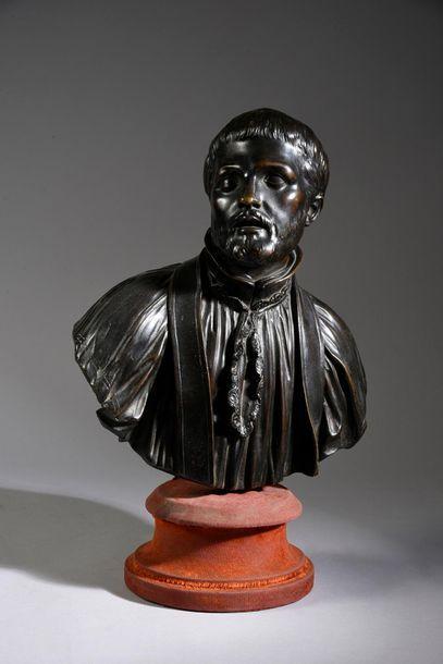 Buste en bronze patiné représentant Saint...