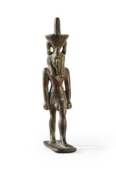 Statuette votive représentant le dieu Neferetoum...