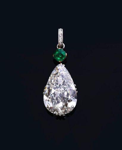 Diamant poire de 7,84 ct G. VS2, serti sur...