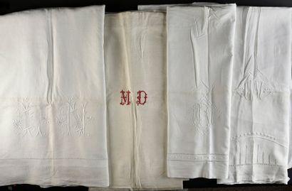 Quatre draps de dessus brodés, début du XXe...