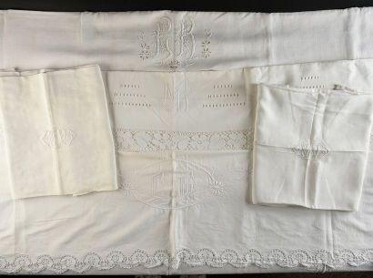 Trois draps de dessus brodés, début du XXe...