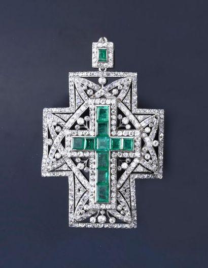 Spectaculaire croix pendentif en or gris...