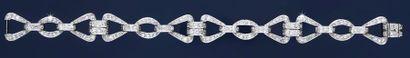Bracelet articulé en platine 850°°, composé...
