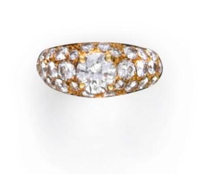Bague jonc en or 750°° ornée d'un diamant...