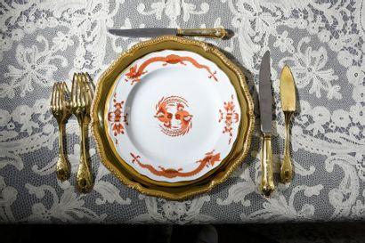 Suite de six assiettes en vermeil, modèle...