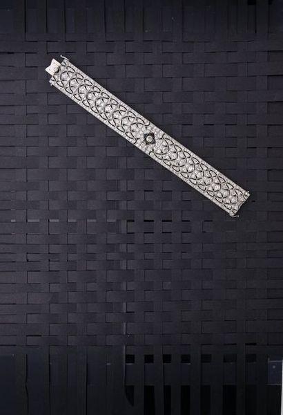 Bracelet articulé ajouré en platine 950°°,...