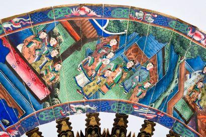 Une journée au palais, Chine, XIXe siècle Éventail plié, la feuille double en papier...