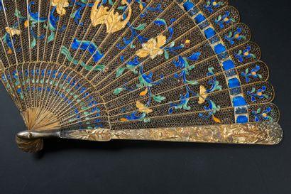 Chauve-souris, Chine, début du XIXe siècle Éventail de type brisé en argent filigrané...